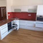 kuchyne-na-miru-bila-3